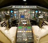 Private Jet Photo Bombardier Challenger 601-1A cockpit